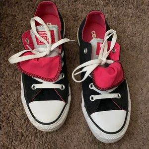 Preloved women's converse double tongue shoe